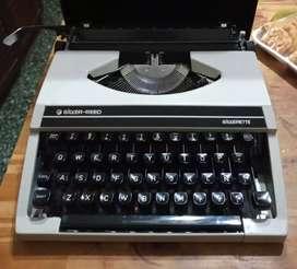 Maquina de escribir Silver reed, Modelo Silverette