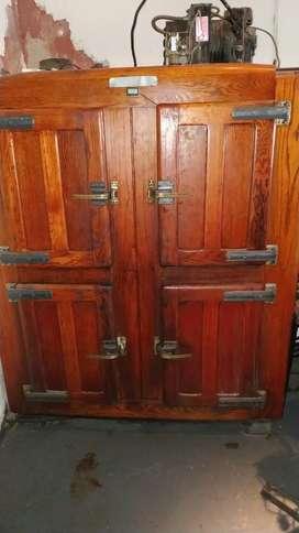 Heladera 4 puertas, heladera mostrador, heladera exhibidora doble puerta corredizas.