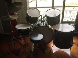 Batería DMC Drums. Casi nueva, muy buen estado.