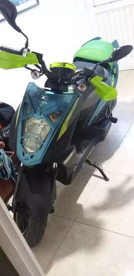 Vendo 3.600.000 scooter kymco extrem Agility125 -2014 edición especial.