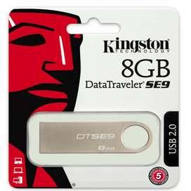 Memoria USB 8GB Kinsgton nueva 100% original