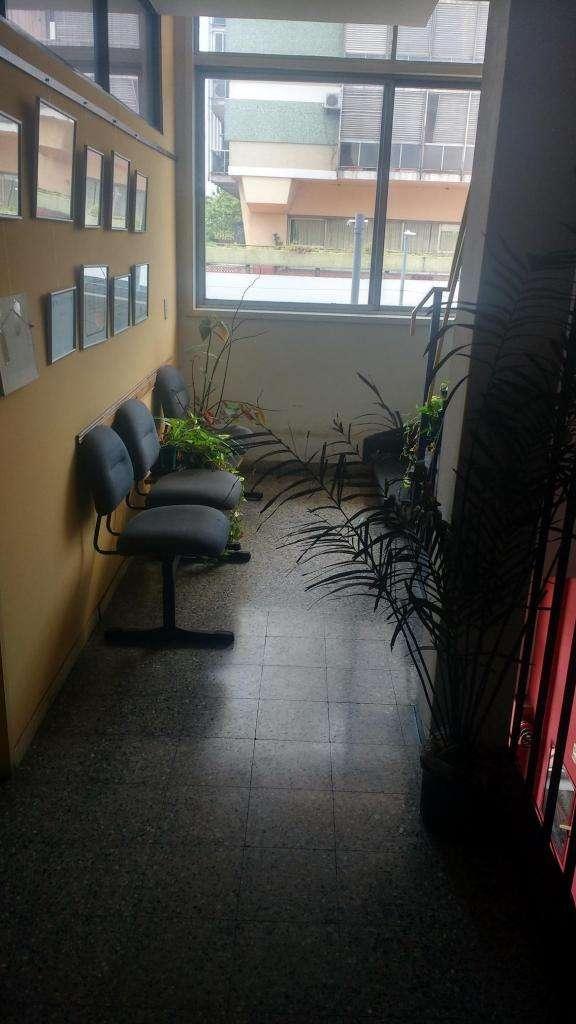 Piso completo en edificio de oficinas en Barracas 0