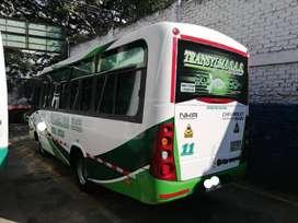 microbus. chevrolet NKR modelo 2017. capacidad 19 psj. disel