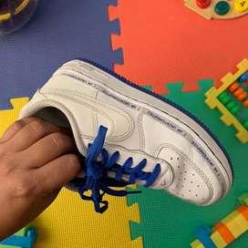 Vendo zapatos nike para niño oroginales