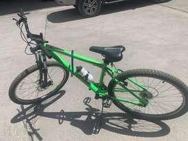 Vendo mi bicicleta nueva nomas 30 dias uso