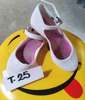 Zapato pvc T.25