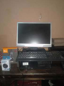 Pc escritorio completo CPU Lenovo Intel Core i3 RAM 8gb disco 500gb LCD 19 pulgadas + diadema