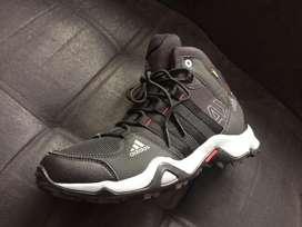 Hermosas botas Adidas AX2 solo 3 pares