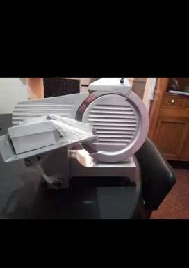 Maquina de cortar fiambre pagani 330