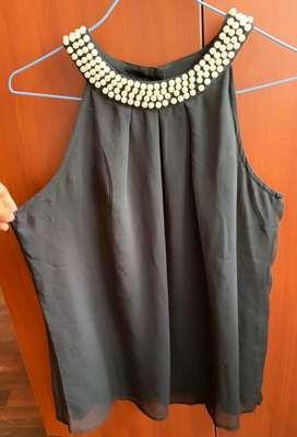 Blusa negra formal
