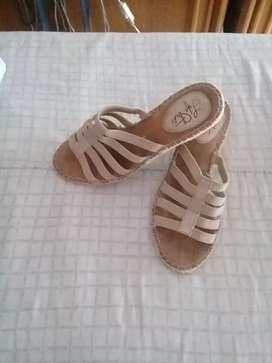 Sandalias y cartera mujer
