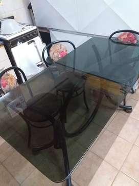 Mesa de vidrio + 6 sillas