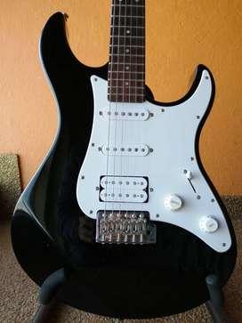Guitarra guitarra eléctrica yamaha pacífica MADE IN INDONESIA