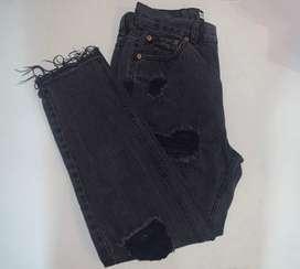 Pantalon negro Pull & Bear talla 40 euro ; 30 mex