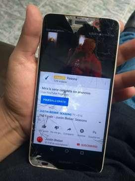 Se vende Huawei y7 fisurado