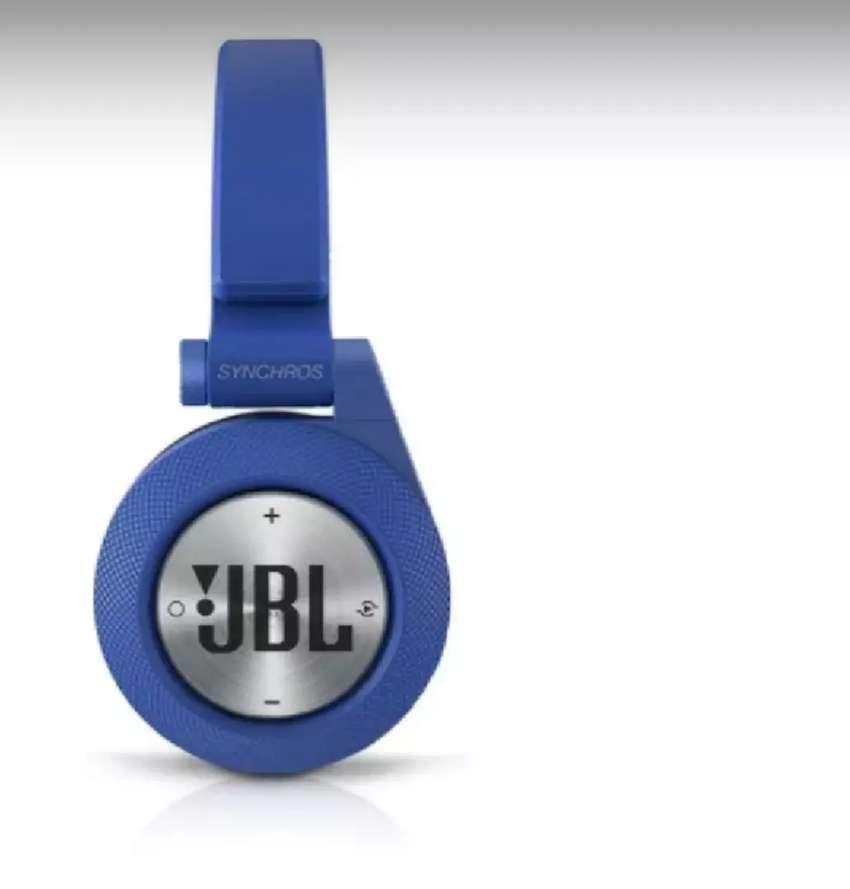 Audifonos JBL Bluetooth Synchros 0