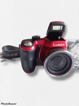 Vendo o cambio cámara semiprofesional Lumix