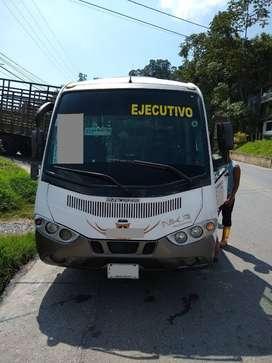 Vendo Microbus CHEVROLET NKR REWARD modelo 2013 de 19 pasajeros