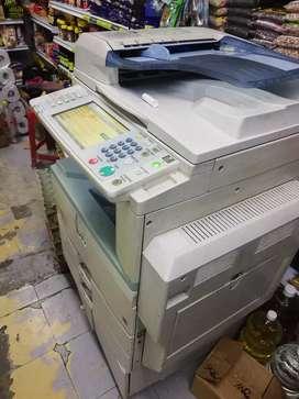 Vendo fotocopiadora poco uso
