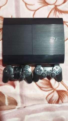Play 3 con 2 joysticks  y 4 juegos  ESCUCHO OFERTAS