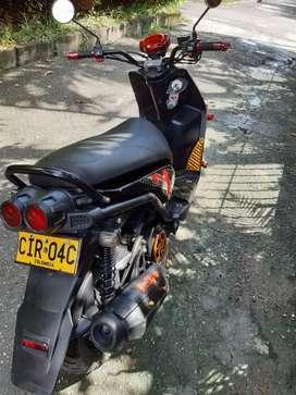 Se vende moto bws