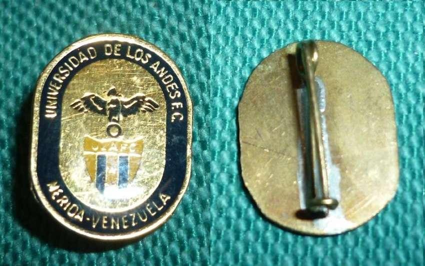 RARO PIN DISTINTIVO FUTBOL UNIVERSIDAD DE LOS ANDES DE MERIDA VENEZUELA 1990 0
