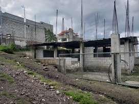 Vendo un terreno en construcción