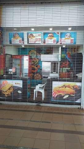Local en Plazoleta de comida CC