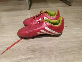 Guayos Adidas originales para fútbol