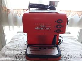 Cafetera Expreso Ultracomb