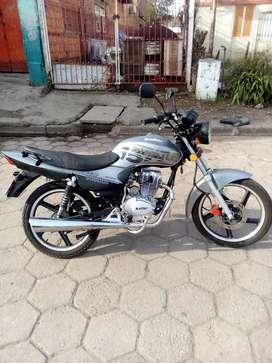 Vendo moto titular