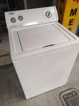 Lavadora Whirlpool americana 30 libras usada en muy buen estado