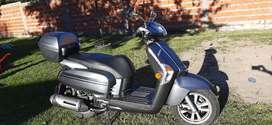 Vendo scooter automatico kymco igual aa 0km