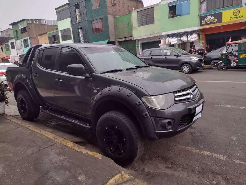 Se vende camioneta Mitsubishi
