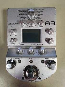 Pedalera multiefectos y preamplicador zoom A3 para guitarra acústica usado