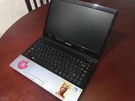 Samsung NP300E4C
