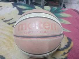 Vendo pelota de basket molten official en perfecto estado