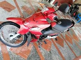 Vendo moto viva r modelo 2013 papeles al día en perfecto estado