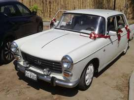 Auto clásico Peugeot 404