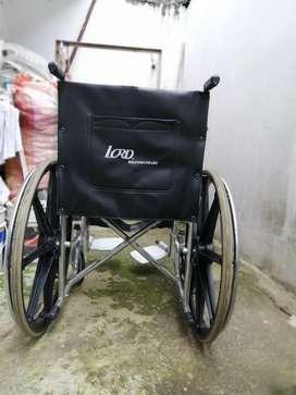 Silla de ruedas marca LORD en buen estado
