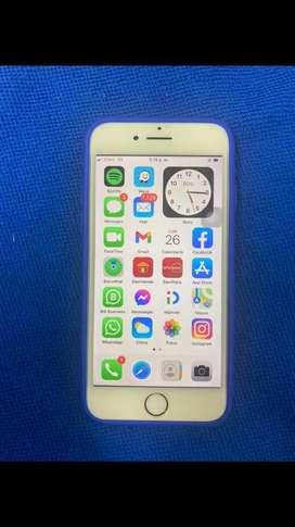 Iphone 7 32GB estado 10/10 bateria 90% se entrega con caja SIN CARGADOR, 9 forros para mujer