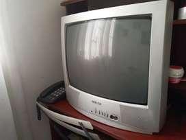 Televisor antiguo excelente estado