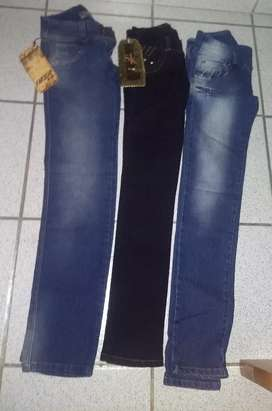 Vendo jeans para dama tiro bajo *Nuevos*