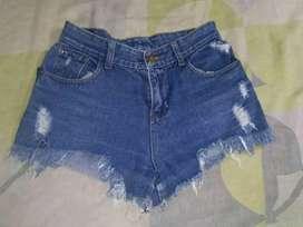 Vendo lindo shorts de segunda