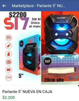 Parlante portatil ,aux ,radio,usb,bluetooth,luz led