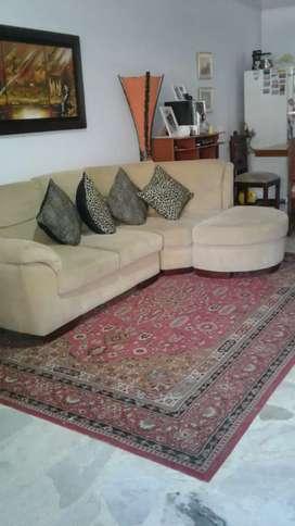 Vendo baratisimo sofá y otros artículos mas