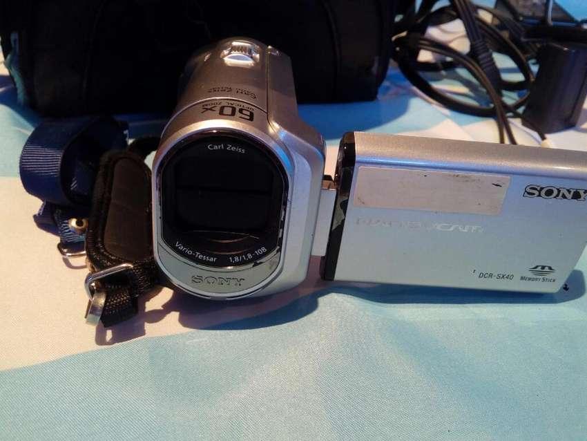 Filmadora Sony Handycan Dcrsx40 0