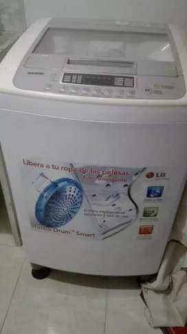 Lavadora LG turbo de 25 libras