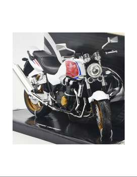 Honda CB 1300 SF blanco -Motos a escala 1:12