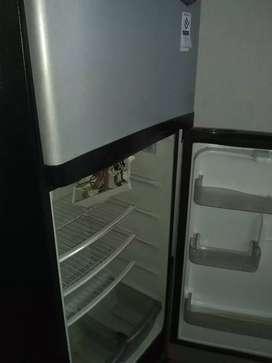 Tecnico especialista en neveras, lavadora y aire acondicionado